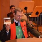 """VSM-Verbandsjugendleiter Meinhard Windisch stellt die SJBO-Jubiläums-CD """"Leben"""" vor"""